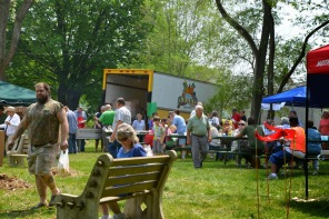 Farm Stand Crowd (1)